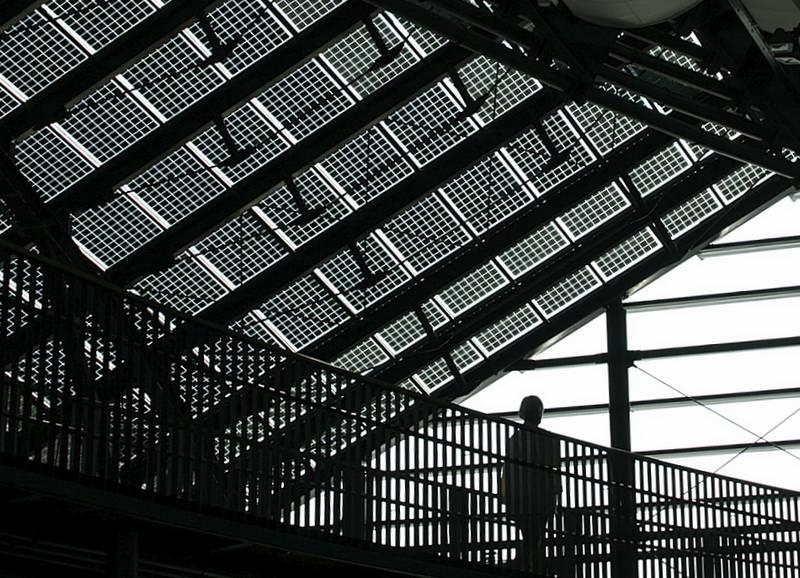 Architekturfoto: Geometrie mit Mensch
