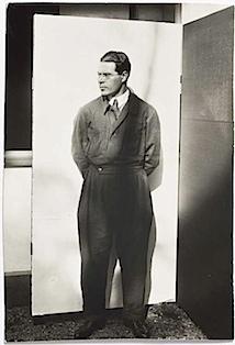Lucia Moholy: László Moholy-Nagy im Overall, 1926
