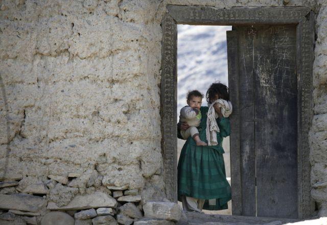 Kinder im Tor (keystone)