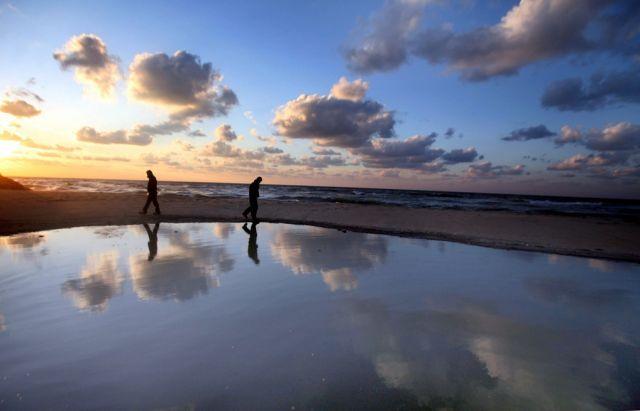 Spaziergang am Meer (keystone)
