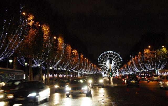 Weihnachtsbeleuchtung in Paris (keystone)