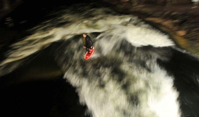 Surfen auf dem Eisbach (keystone)