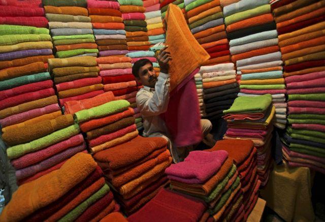 Pakistan, Mann, Farben