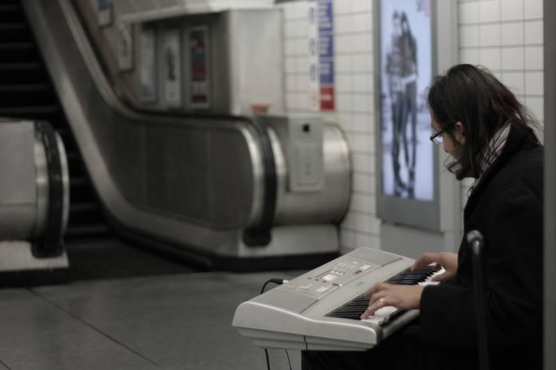 Porträt ohne Gesicht: Der Tube-Pianist