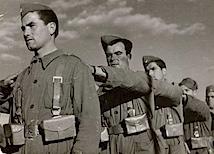 Gerda Taro: Rekrutierung und Training der neuen Volksarmee, Valencia, März 1937, © International Center of Photography