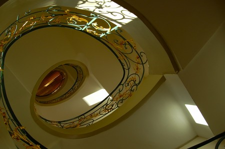 Treppenhaus-Foto: Tiefe durch Teleobjektiv