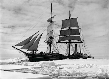 Herbert Ponting: The Terra Nova held up in the pack, December 1910