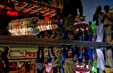 Flaschenspiegelung: Falscher Fuffziger