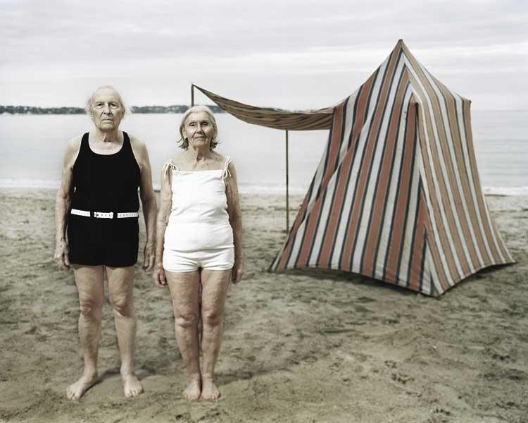 Olivier Fermariello, Berlin: Monsieur et Madame Vieille à la plage, Air de famille, 2009