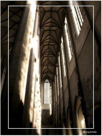 Gotik: Licht und Stimmung