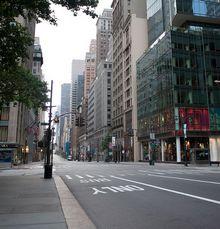 Fifth Avenue, New York. © 2009 Samuel Raymann