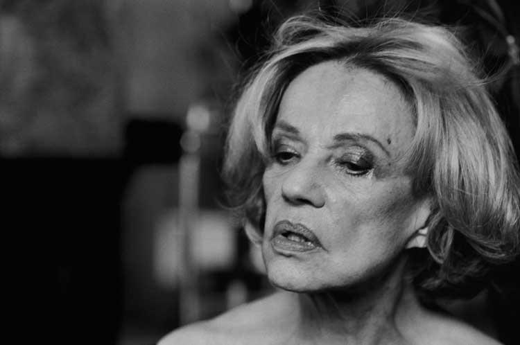 Peter Lindbergh: Jeanne Moreau. Vogue Italy, Studio Kremlin, Kremlin Bicetre. France, 2003