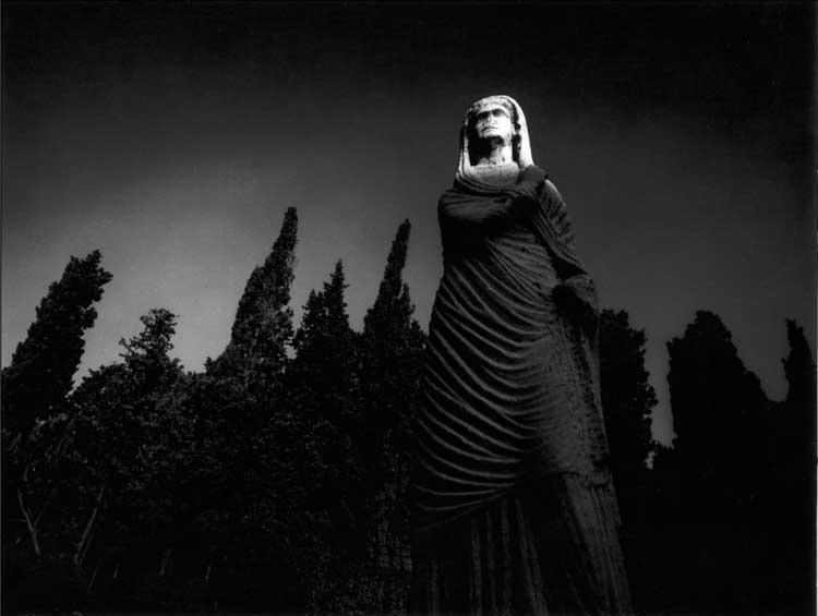 Die Unbekannte_1982 © Robert Haeusser