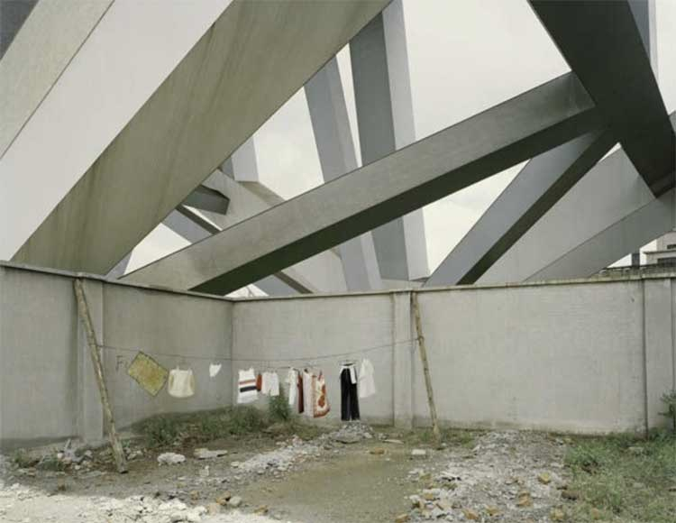 © Nadav Kander, Shanghai I, 2006