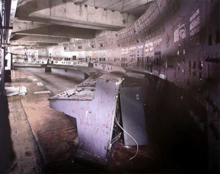 © Robert Polidori, Unit 4 Control Room, Chernobyl, 2001