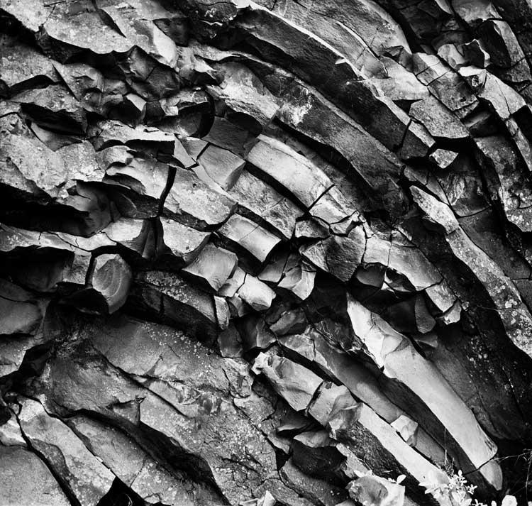 Alfred Ehrhardt: Die sauberen Felsformen des sechskantigen kristallinischen Basalts, 1938-39 © VG BILD-KUNST 2011