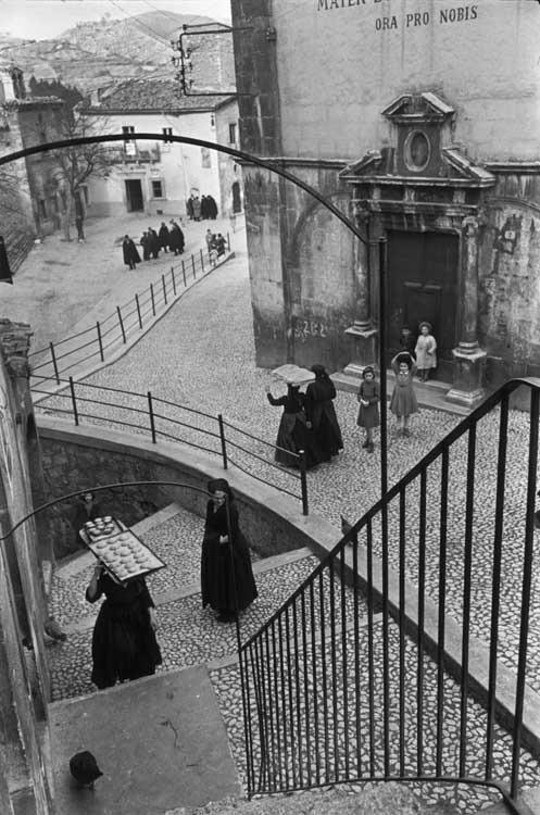 Henri Cartier-Bresson: L'Aquila, Abruzzen, Italien, 1951