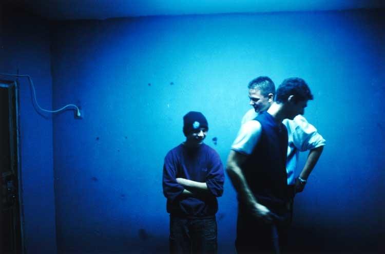 Tobias Zielony: Blaue Jungs, a. d. Serie Ha Neu, Halle, 2003