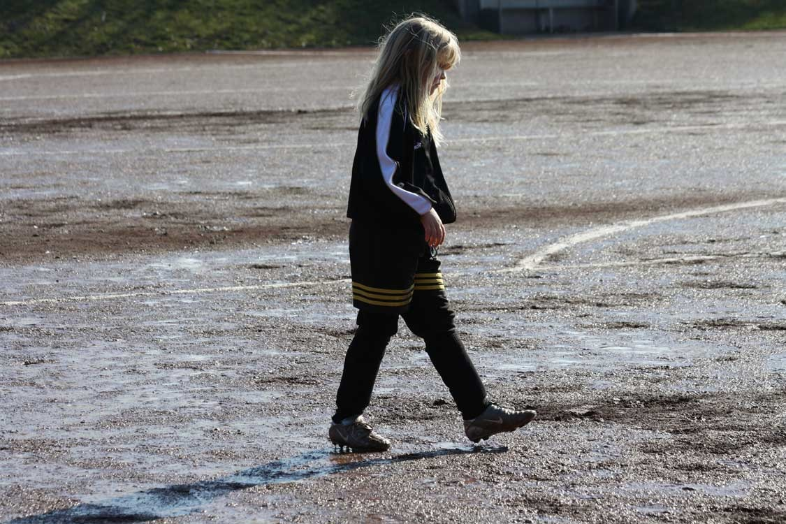 Fenja Pfeiffer: Moment der Besinnung vor dem Spiel, Deutscher Jugendfotopreis 2011