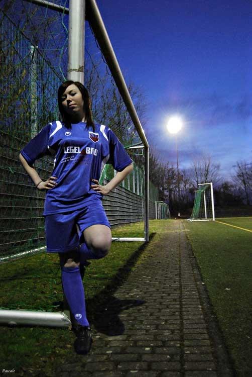 Pascale Grammer: soccer girly, Deutscher Jugendfotopreis 2011