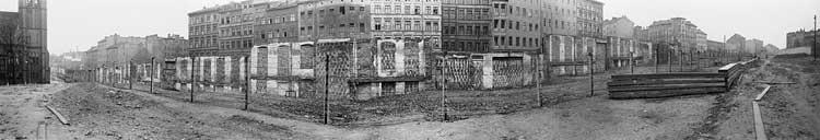 Annett Gröschner/Arwed Messmer: Die frühe Berliner Mauer