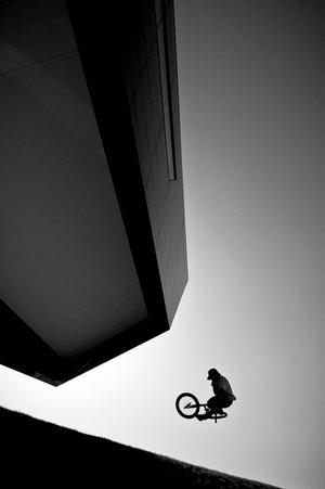 Strassenfotografie: Perfekt inszenierte Silhouette