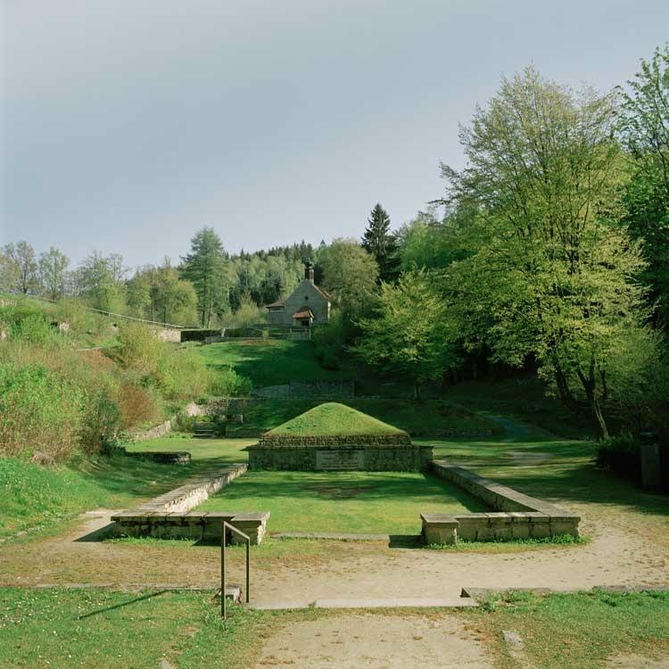 Beatrice Apel: Aschepyramide, KZ-Gedenkstätte Flossenbürg / © Beatrice Apel
