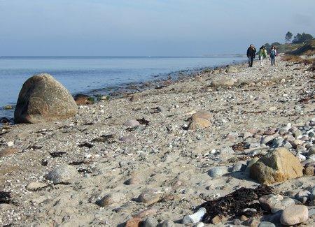 Strandbild: Urlaubsfoto mit Minimenschen