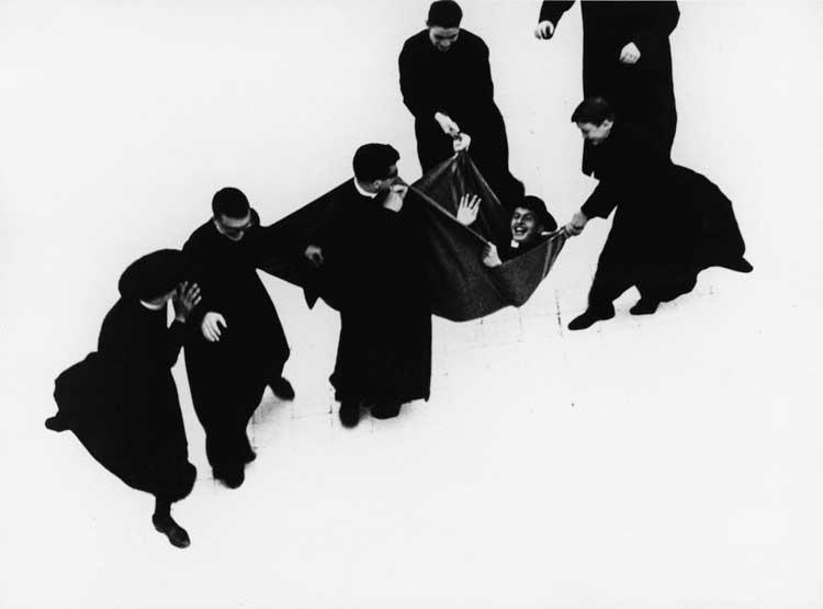 Mario Giacomelli: Priesterserie 1961-1963 © Simone Giacomelli