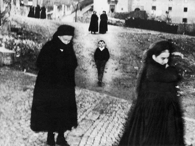 Mario Giacomelli: Scanno, Bilder aus dem Dorf 1957-59 © Simone Giacomelli