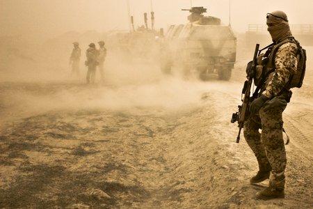 Dokumentation: Soldaten im Sandsturm