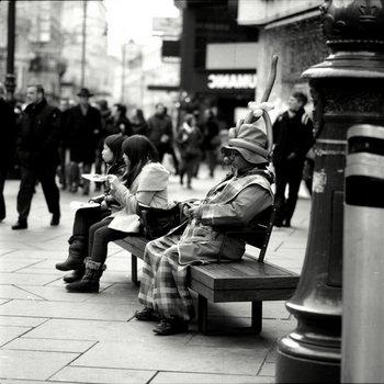 Strassenfotografie: Der graue Clown