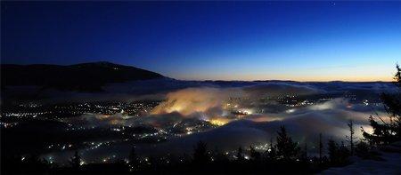Nachtfotografie: Wabernde Wattebäuschenwolken