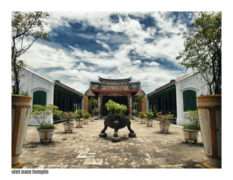 Vietnamesischer Tempel: Zuviel Symmetrie - oder zuwenig?