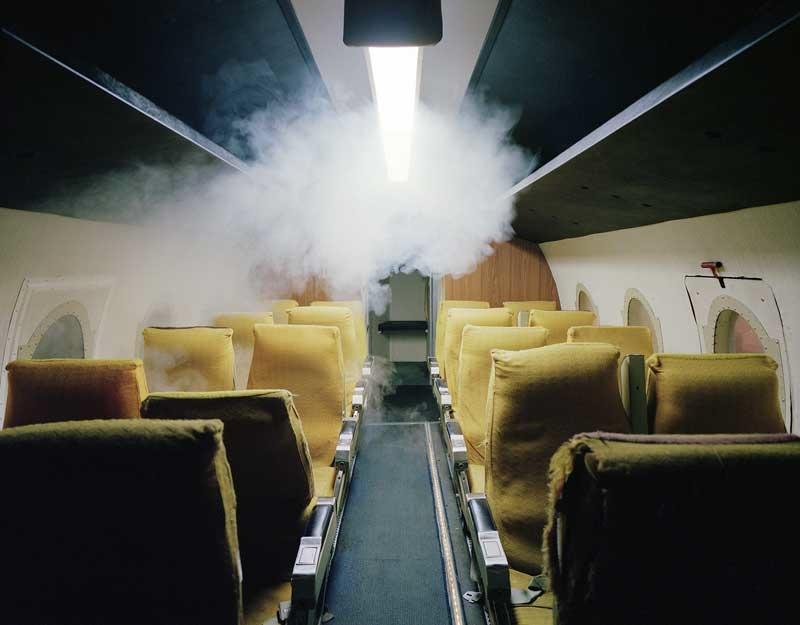Marina Gadonneix: Plane #2, série Playing Disorder, 2008-12.
