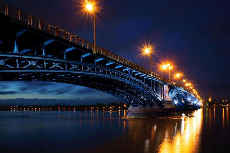 Leserfoto: Die Brücke am Fluss