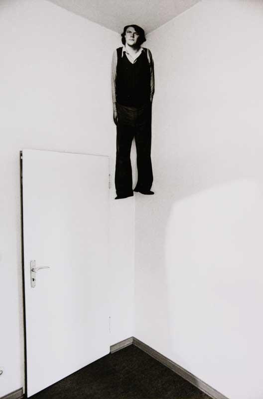 Floris Neusüss, Figur im Raum, Kassel 1976