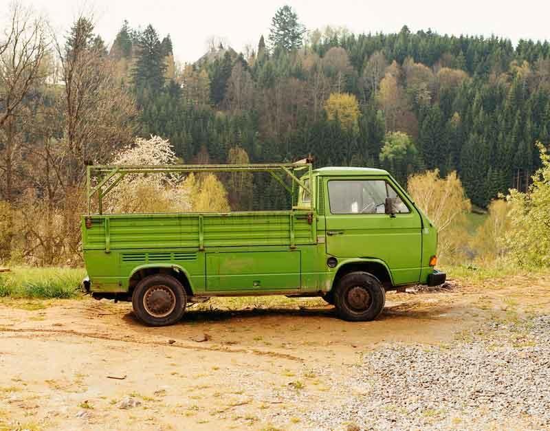 Bernhard Fuchs: Grüner VW-Transporter, Helfenberg, 2002