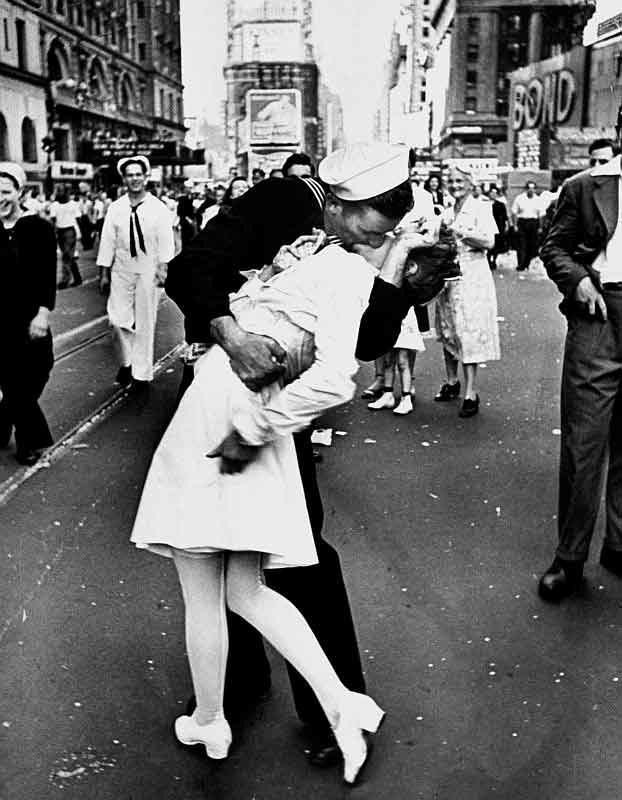 V-J-Tag, Time Square, New York, Alfred Eisenstaedt, 1945