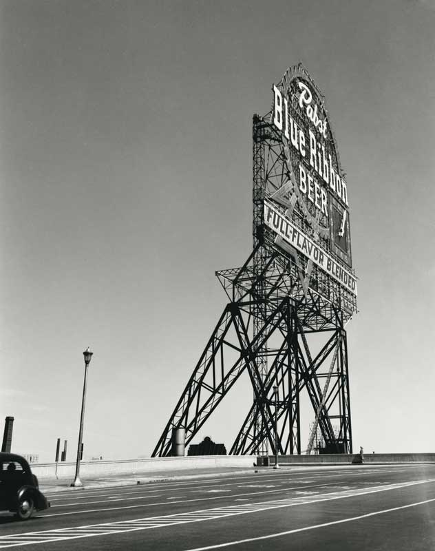 Walker Evans: Pabst Blue Ribbon Sign, Chicago, Illinois, 1946
