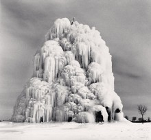 Frozen Fountain, Belle Isle, Detroit, Michigan, USA, 1994 *