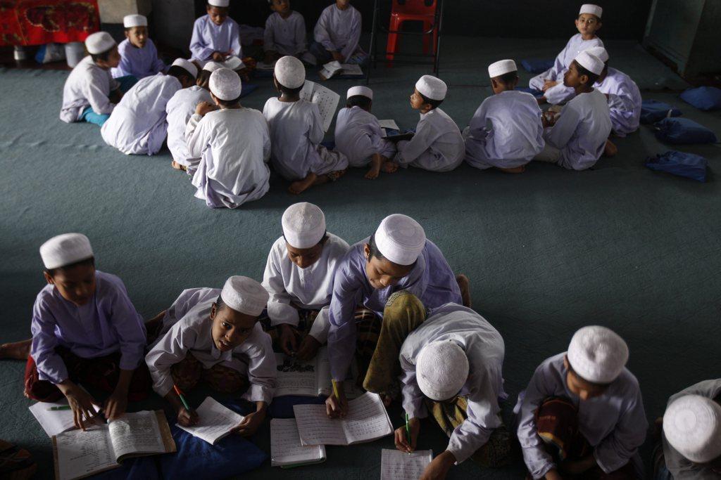 Schüler in Dhaka, Bangladesh EPA/ABIR ABDULLAH