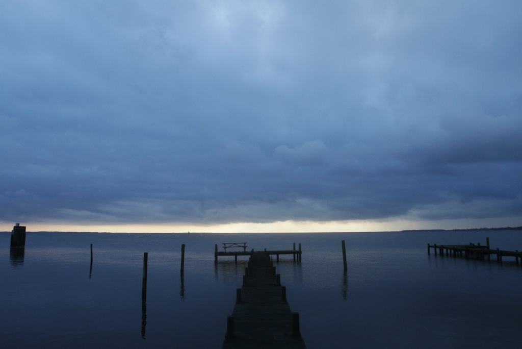 Dunkle Wolken über Currituck Sound, USA. (Keystone/AP Photo/The Virginian-Pilot, Steve Earley)