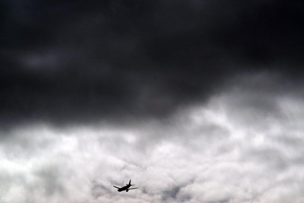 Dunkle Wolken über Hohentengen, Deutschland (Keystone/EPA/Patrick Seeger)