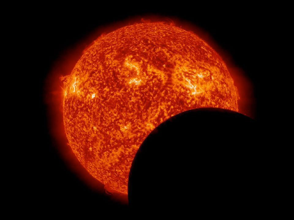 Nasa-Foto: Der Mond schiebt sich vor den Feuerball Sonne EPA/NASA/SDO / HANDOUT