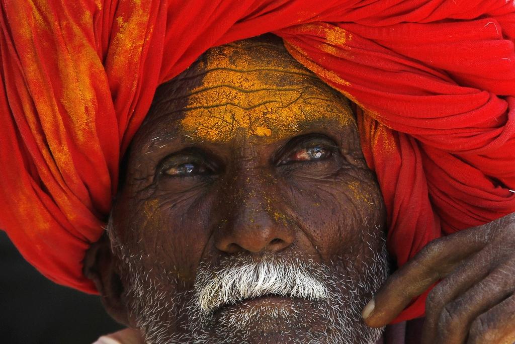 Porträt eines Gläubigen, Maharashtra, Indien  (AP Photo/Rajanish Kakade)