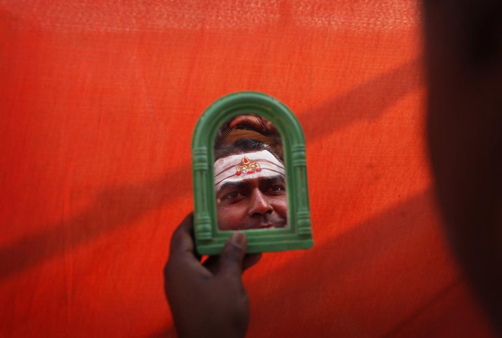 Vorbereitungen zum «Navrati»-Fest in Allahabad, Indien (Keystone/AP Photo/Rajesh Kumar Singh)