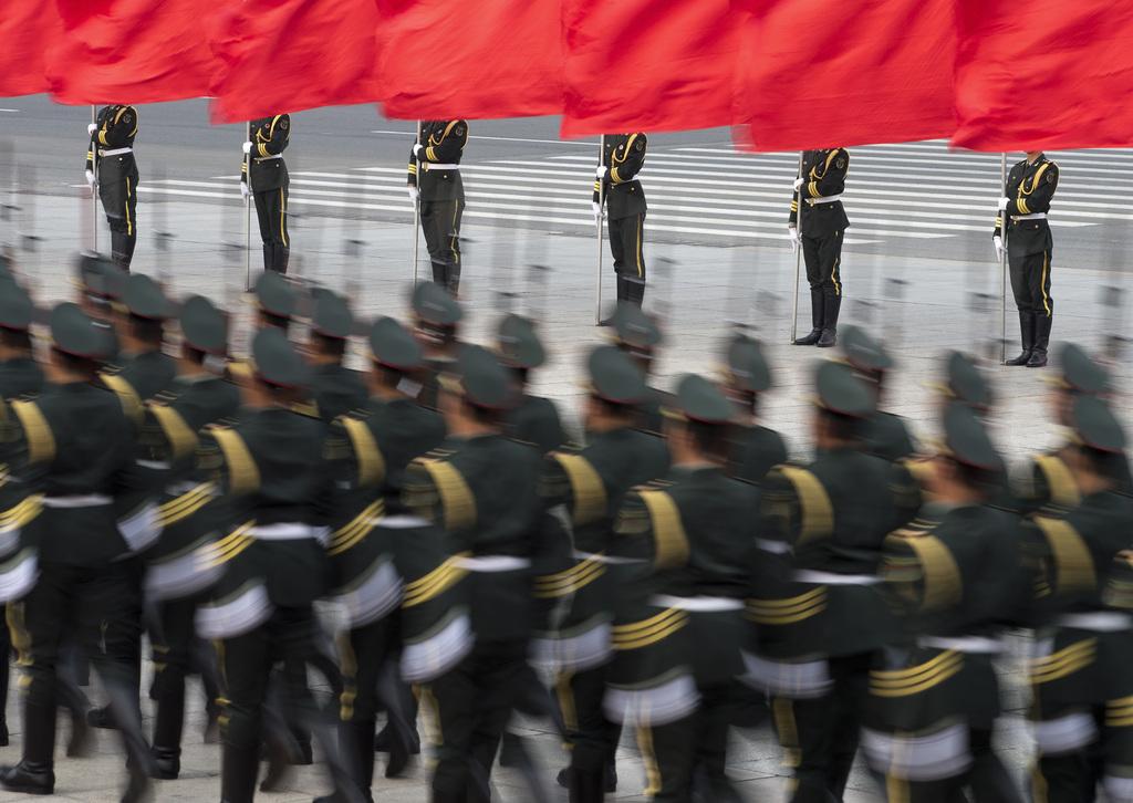 Chinesische Ehrengarde beim Staatsbesuch, Peking (AP Photo/Andy Wong)