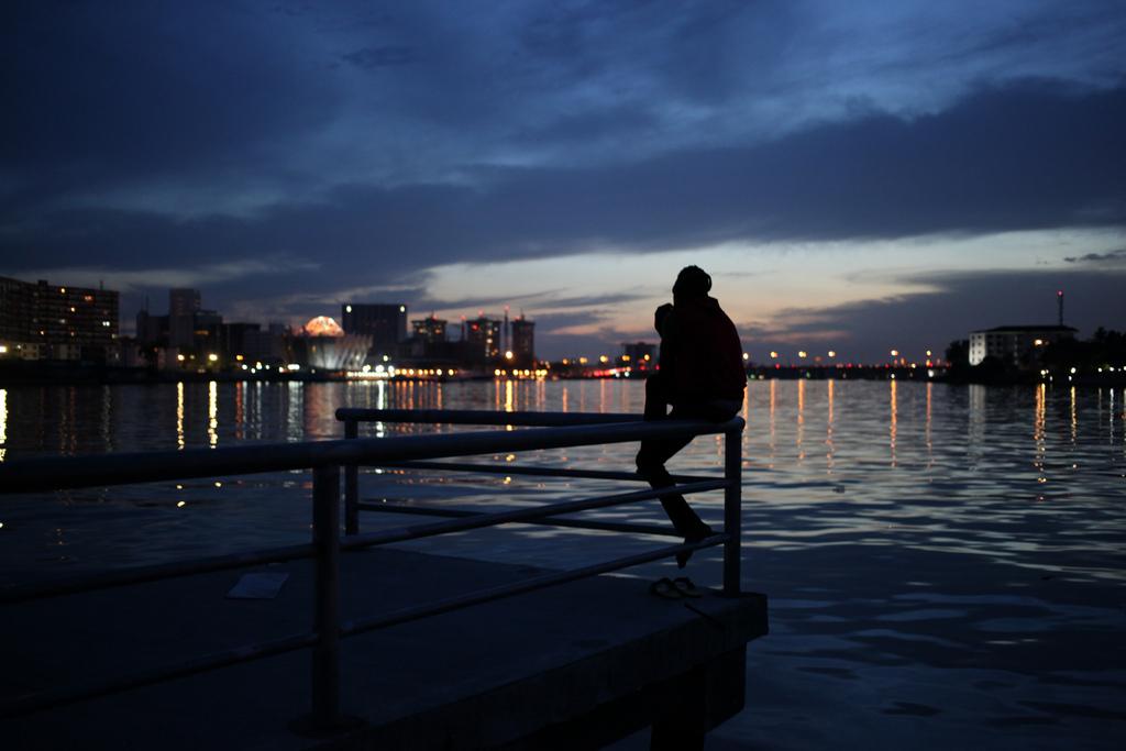 Abenddämmerung über der Lagune in Lagos, Nigeria (AP Photo/Jon Gambrell)