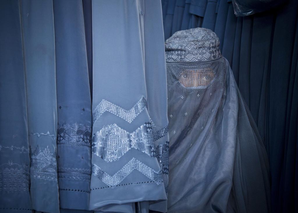 Frau mit Burka, Kabul, Afghanistan (AP Photo/Anja Niedringhaus)